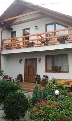 Private estate U Slavika, Yasinya: photo, prices, reviews