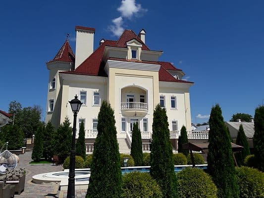 Guest Court Luxury Manor Guest House, Kamianets-Podilskyi: photo, prices, reviews