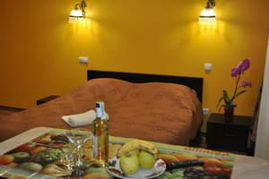 Hotels Lviv. Hotel Suite Apartments on Bohomoltsa Str, 11a