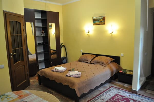 Apartment Studio apartment near the Opera House, Lviv: photo, prices, reviews