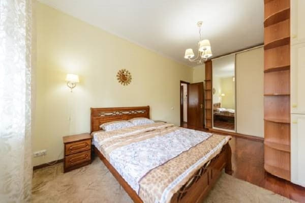Apartment near Palace Ukraine, Kyiv: photo, prices, reviews