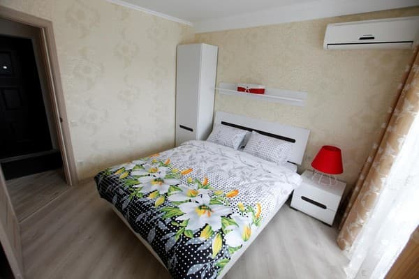 Apartment Sovremennie apartamenti vozle metro Obolon', Kyiv: photo, prices, reviews