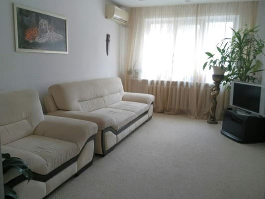 Apartment on Korneychuka Str, 13,  Kryvyi Rih: photo, prices, reviews