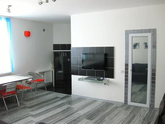 Apartment Apartamenti Metro Demievskaya, Kyiv: photo, prices, reviews