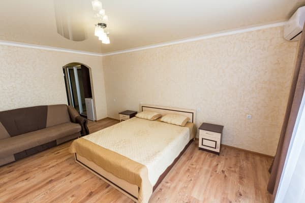 Hotel Aleksandr, Zatoka: photo, prices, reviews