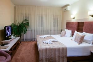 Hotels Kyiv. Hotel Seventh Sky on Klinicheska Str, 23-25