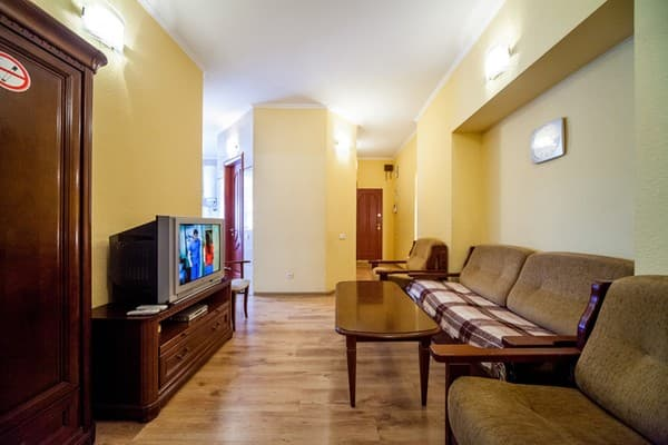 Apartment Apartment Three-room Junior Suite in city center, Kyiv: photo, prices, reviews