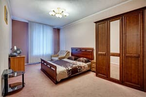 Hotels Kyiv. Hotel Apartment Two-room Standard in city center