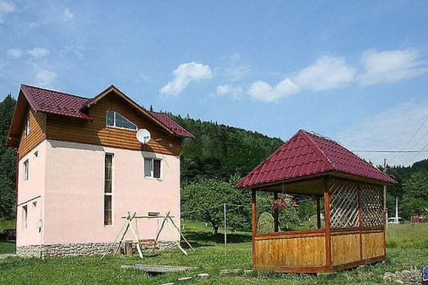 Private estate U pana Ivana, Yaremche: photo, prices, reviews