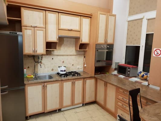 Apartment Lutsk Apartment ul.Evgeniya Konoval'ca 3,  Lutsk: photo, prices, reviews