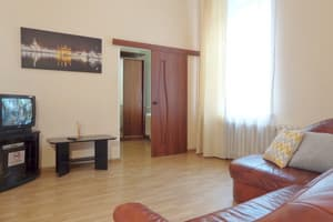 Hotels Kyiv. Hotel Apartment on Liuterans'ka Street, 3