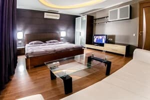 Hotels  city Kyiv and region. Hotel Den Apartments bul'var Lesi Ukrainki