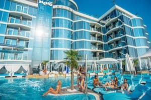 Hotels Odesa. Hotel Resort & Spa Hotel NEMO with dolphins