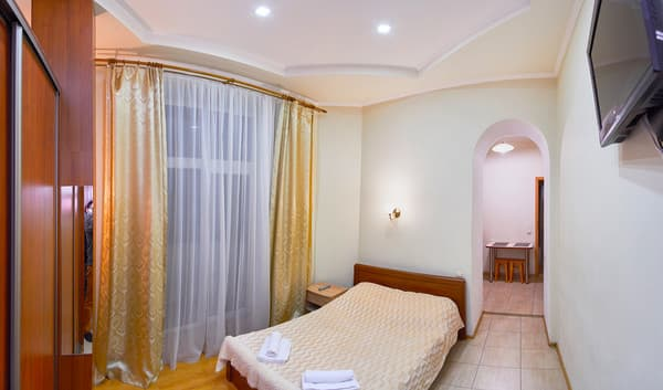 Apartment Apartment Apartment on Kniazia Romana Street, 26, Lviv: photo, prices, reviews