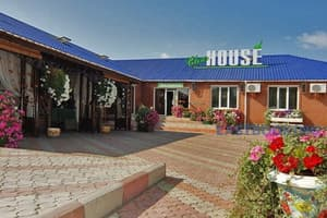 Hotels  Zaporizhia. Hotel Clear House Art Hotel