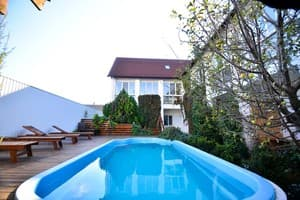 Hotels  city Kherson and region. Hotel Dinastiya