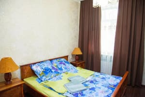 Hotels  Zaporizhia. Hotel 2 rooms Apartment on Soborny Avenue 104. Luxury class. Center