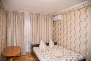 Hotels  Zaporizhia. Hotel 1 room Apartment on str. Ukrainskaya 34