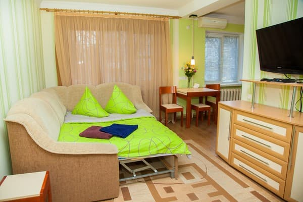 Apartment Apartments on the str. Nezavisimoy Ukraini 65b ,  Zaporizhia: photo, prices, reviews