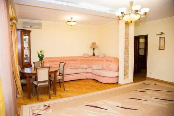 Apartment Apartamenti na ul. Lermontova, 26,  Zaporizhia: photo, prices, reviews