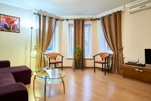 Hotels Kyiv. Hotel Apartment Two-room apartment on Nyzhnii Val Str, 41