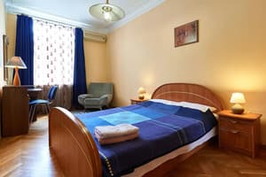 Hotels Kyiv. Hotel Apartment Three-room apartment on Pushkinska Str, 2/7