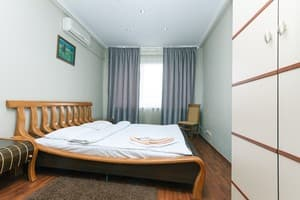 Hotels Kyiv. Hotel Apartment Apartment on Khreshchatyk Str, 54
