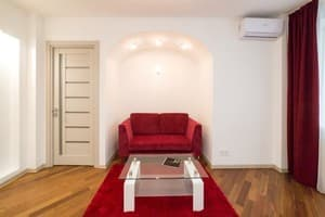 Hotels Kyiv. Hotel Barasport Red Suite