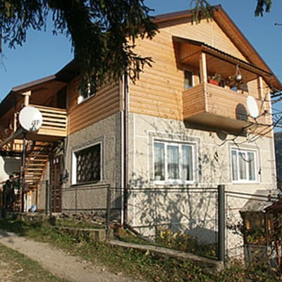 Private estate Yaremchanka, Yaremche: photo, prices, reviews