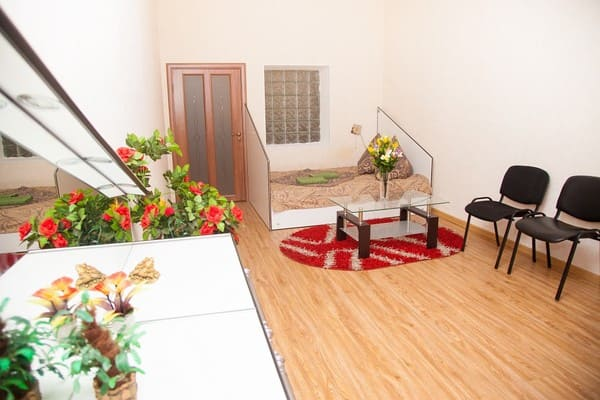 Apartment Apartamenti na ul. Jukovskogo 57 Zaporoj'e,  Zaporizhia: photo, prices, reviews