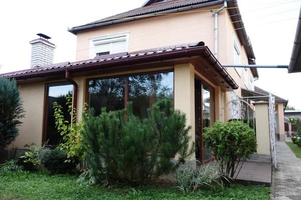 Cottage Suchasniy kotedj u centri Svalyavi,  Svaliava: photo, prices, reviews