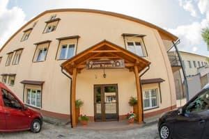Hotels Chernivtsi. Hotel Grand Hostel