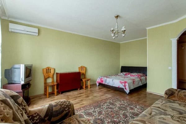 Apartment In the center on the street. Gagarin, 43 , Kamianets-Podilskyi: photo, prices, reviews