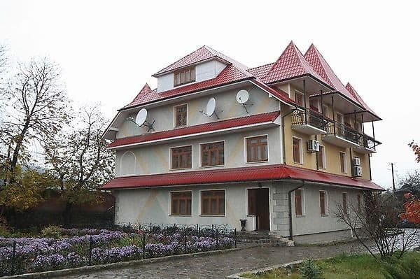Mini hotel Zori Karpat, Mykulychyn: photo, prices, reviews
