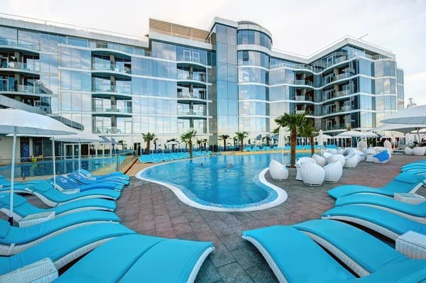 отели одессы на берегу моря с бассейном