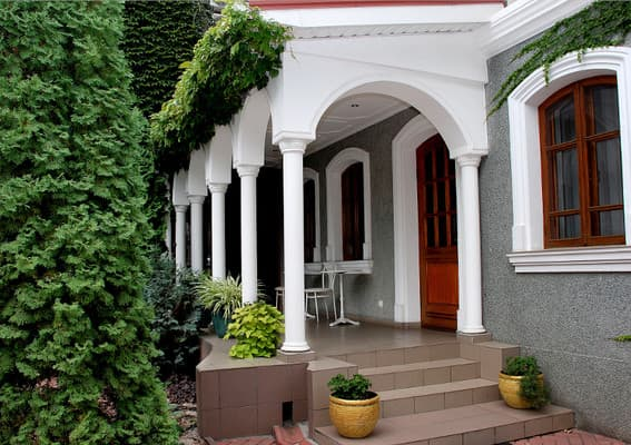 Готелі Рибаківка