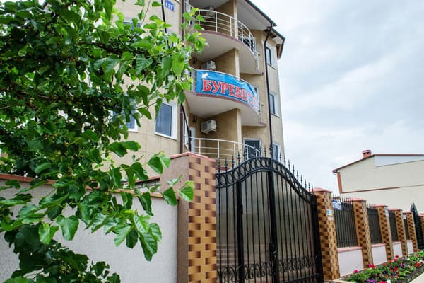 Hotel Burevestnik 411A, Zatoka: photo, prices, reviews