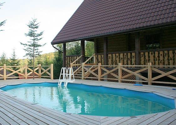 Домики с бассейном в Мигово