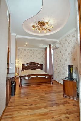 Apartment trehkomnatnie na ul. Botkinskaya, № 354, Yalta: photo, prices, reviews
