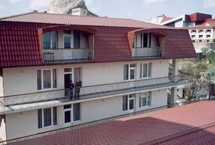 Boarding house L'vovskiy jeleznodorojnik, Sudak: photo, prices, reviews