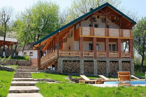 Private estate Rodynne hnizdo (Harmaky village), Bar: photo, prices, reviews