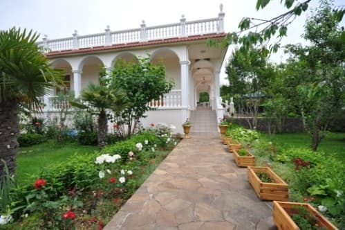 Mini hotel Zolotoy bereg, Alushta: photo, prices, reviews
