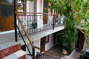 Hotels  city Simferopol and region. Hotel Starinnaya amfora