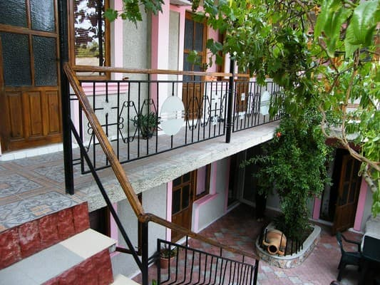 Private estate Starinnaya amfora, Chornomorske: photo, prices, reviews