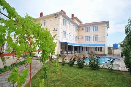 Guest Court V gostyah u Esaula, Sudak: photo, prices, reviews