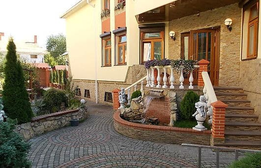 Mini hotel Rayske Yabluko, Lviv: photo, prices, reviews