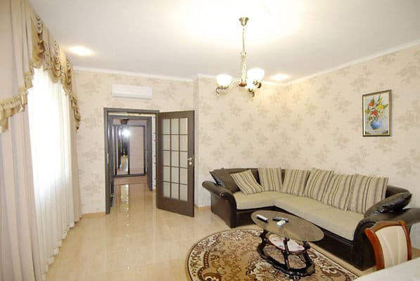 Apartment na ul. Chehova, № 543, Yalta: photo, prices, reviews