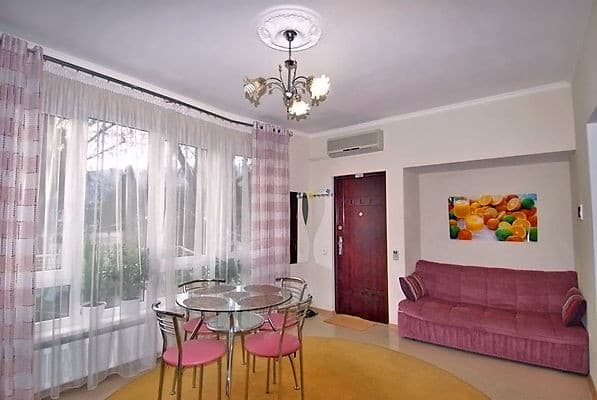 Apartment na ul. Tolstogo, № 451, Yalta: photo, prices, reviews