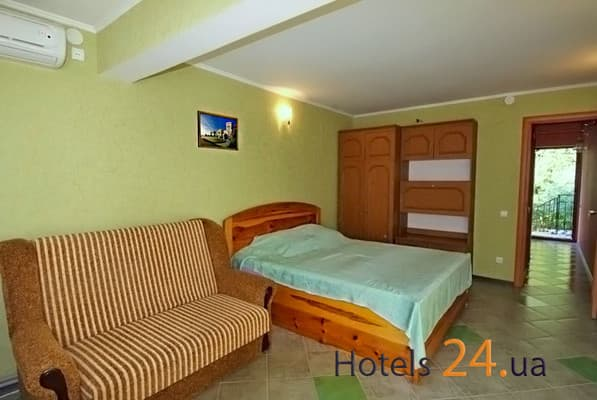 Apartment odnokomnatnie na ul. Stahanovskaya (Bol'shaya Yalta), № 408, № 409, № , Yalta: photo, prices, reviews