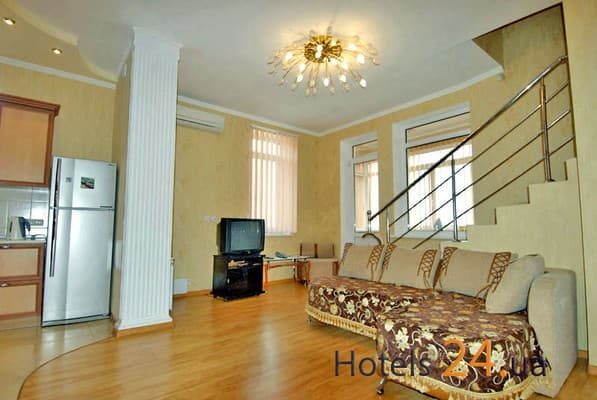 Guest Court 3-komnatnie v Livadii (Bol'shaya Yalta), № 480, Yalta: photo, prices, reviews
